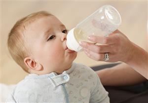 بينها السعال.. أعراض تنذر بحساسية طفلك للطعام