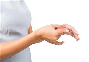 جرح إصبع الإبهام قد يسبب التهاب صديدي.. لا تهمل زيارة الطبيب