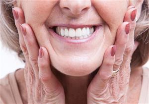 إلى ماذا يؤشر فقدان الأسنان بين النساء المسنات؟