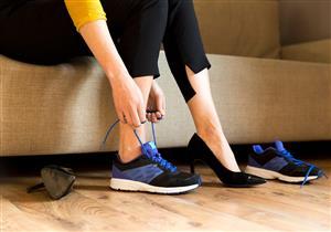 """مشاكل صحية يسببها ارتداء حذاء """"غير مناسب"""".. كيف تتجنبها؟"""