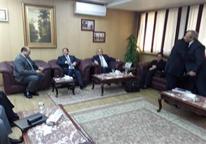 بالصور- وزير التنمية المحلة يجتمع بـ5 محافظين في الغربية