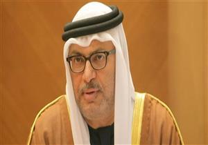 """قرقاش عن تقرير أمريكي يصف قطر بـ""""إسرائيل دول الخليج"""": """"مُهم ومُلفت"""""""