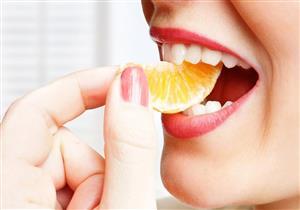هل تؤثر أحماض الفواكه على صحة الأسنان؟