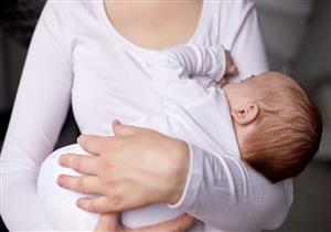 للمرضعات.. هل الوزن الزائد يهدد طفلك بالسمنة؟