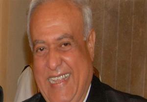تشييع جثمان الفنان محمد متولي من مسجد السيدة نفيسة - فيديو
