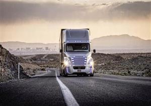بالفيديو.. شاحنة تقطع 2400 ميل بلا سائق