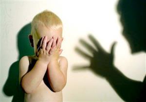 تعذيب طفل رضيع على يد مربية أطفال