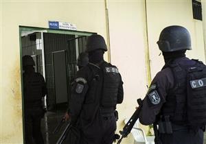 سجناء يحتجزون حراسًا رهائن في البرازيل