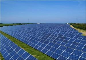 ما هي عوامل تحديد عمر الألواح الشمسية؟