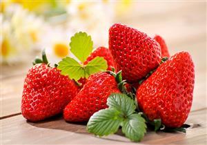 هل تسبب الفراولة زيادة الوزن؟