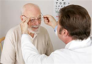 مشاكل تهدد العيون مع تقدم السن