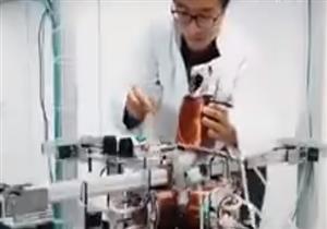 """بالفيديو.. علماء ألمان يطورون """"روبوت"""" صغيرا يتحرك داخل الشرايين"""