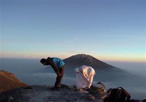"""بالفيديو.. رمضان عبدالمعز يروى قصة لطيفة عن """"قيس وليلى"""" والخشوع فى الصلاة"""