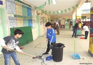 التعليم: نظافة المدارس اليابانية من مهام أولياء أمور التلاميذ