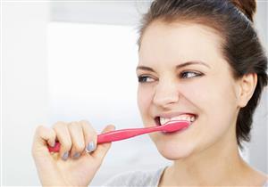 هل كثرة غسيل الأسنان يجعلها بيضاء؟
