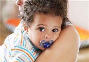 حتى لا تضر أسنان طفلك.. نصائح لاستخدام «التيتينا»