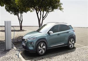 """هيونداي تتحدى رئيس تيسلا عبر لافتة لسيارة """"Kona"""" الكهربائية الجديدة"""