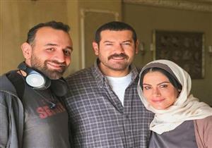 """عمرو سلامة ينشر صورة جديدة من كواليس مسلسل """"طايع"""""""