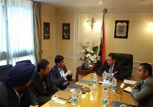 وزير قطاع الأعمال يبحث مع مجموعة هندية الاستثمار في صناعة الجرارات