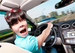 """6 أشياء تجنب فعلها لقيادة السيارة مثل """"المحترفين"""".. تعرف عليها"""