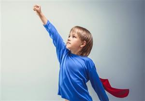 بالفيديو: 6 عوامل تساعدك على تقوية شخصية طفلك.. فما هي؟!