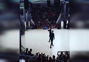 بالفيديو: لحظة سقوط وزير الخارجية الروسي أمام الجمهور