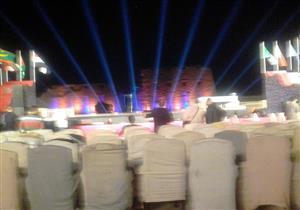 وزيرة الثقافة تتابع التجهيزات لحفل محمد منير بالأقصر