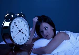لا تأكل كثيرا ويزداد وزنك؟.. نومك قد يكون السبب