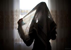 بالفيديو: سيدات غير مسلمات بلندن يختبئن وراء الحجاب بغرض التسول