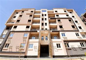 """وزير الإسكان يتفقد أول نموزج لتشطيب وحدات """"سكن مصر"""" بـ6  أكتوبر"""