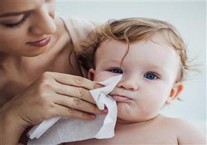 هل تؤدي المناديل المبللة لإصابة الرضع بحساسية الصدر؟