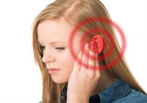 الشعور بضوضاء شديدة علامة على مشكلات متعددة منها أورام المخ
