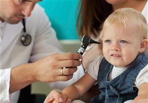 منها التطعيمات..5 تعليمات لتجنب إصابة طفلك بضعف السمع