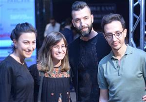 بالصور- في أول عرض لهما بمصر.. جهة حكومية تتحفظ على فساتين مصمّمي أزياء