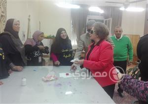 """جيهان السادات: """"نقف في طابور الناخبين علشان مانقفش في طابور اللاجئين"""""""