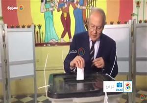 """""""أبو الغيط"""" يدلي بصوته بدائرة مصر الجديدة"""