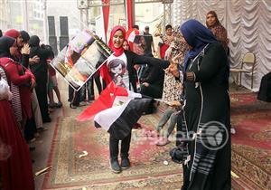 ألبوم صور - أعلام وأجواء احتفالية باللجان الانتخابية بحي الوراق