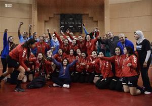 فريق سيدات الأهلي لكرة اليد يتوج بطلا للدوري