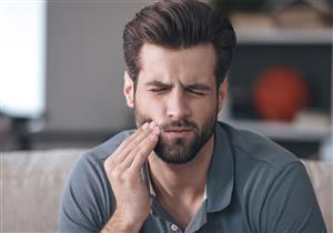 6 أعراض تدل على التهاب عصب الأسنان.. تعرف عليها