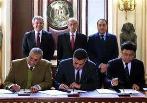 وزير الرياضة يُعلن توقيع عقد إنشاء 3 صالات مغطاة لاستضافة مونديال اليد