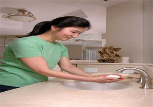 دراسة: النساء أكثر حرصًا من الرجال على غسل أيديهن بعد استخدام المرحاض