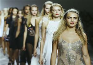 بالصور- أكثر 10 عارضات أزياء دخلًا في العالم.. بينهن عربيتين