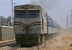 أمين شرطة ينقذ سيدة سقطت أسفل قطار سوهاج