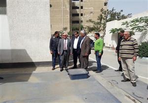 بالصور- محافظ بورسعيد يحيل مسئولي الصرف الصحي للتحقيق
