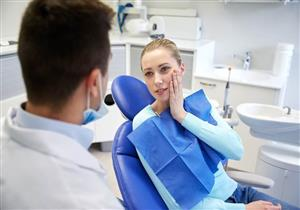 5 عادات خاطئة تتسبب في الإصابة بخراج الأسنان (صور)