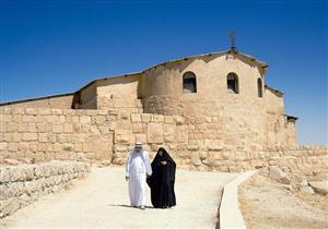 """""""الكثيب الأحمر"""" .. حيث مر النبي على موسى في رحلة الإسراء وهو يصلي بقبره"""