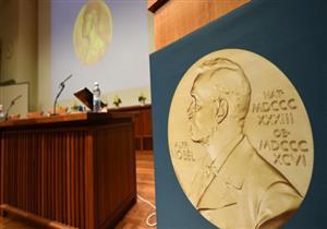 """""""التحرش"""" يهدد أسطورة جائزة نوبل.. وعصفور: """"لن يضرب مصداقيتها"""""""