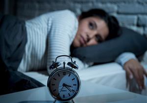 ما العلاقة بين عدد ساعات النوم وطول العمر؟