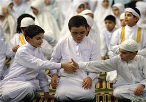 هل المصافحة بعد الصلاة مشروعة ؟.. د. نادية عمارة تجيب