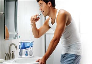 4 مميزات لجهاز تنظيف الأسنان بالماء